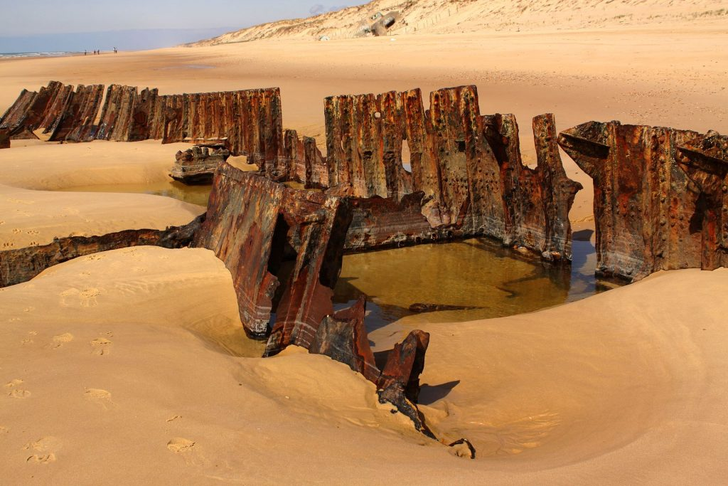 More visible ship wreck