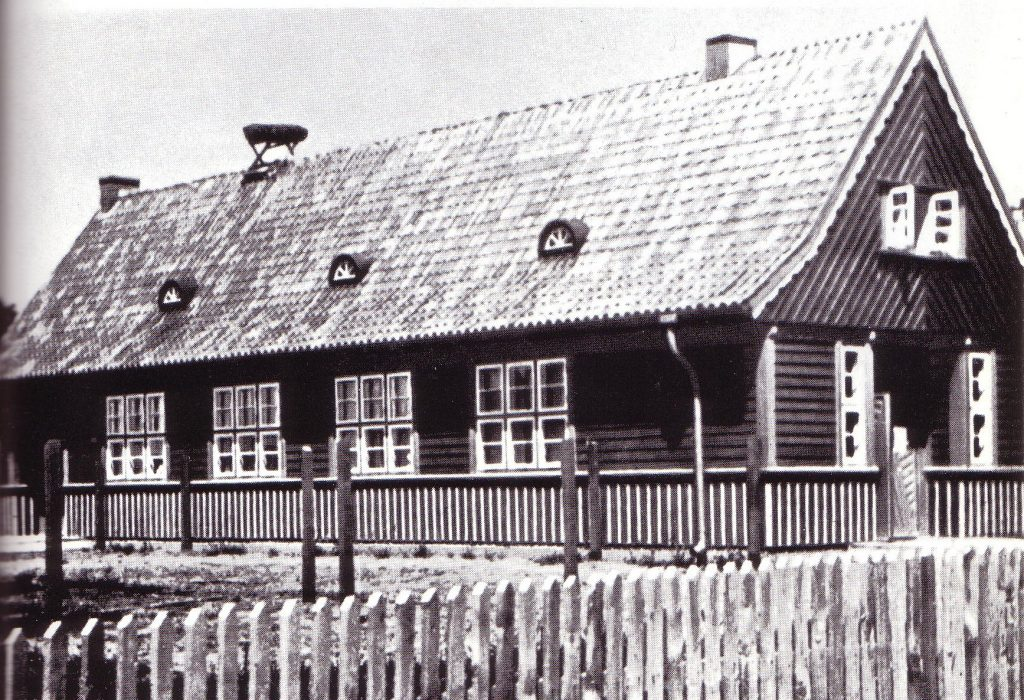 Black and white picture of the museum building